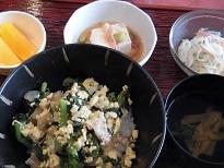 春の食材メニュー「菜の花丼」_e0163042_14055246.jpg