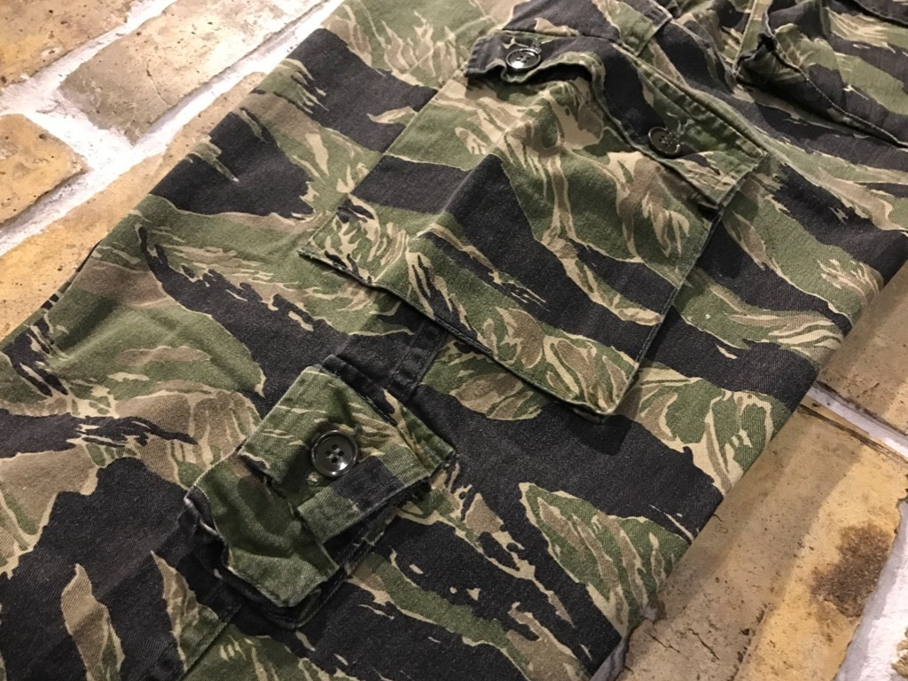 神戸店4/1(土)スーペリア入荷!#2 TigerStripe Products Pants!U.S.M.C. Rain Coat!!!_c0078587_21072438.jpg