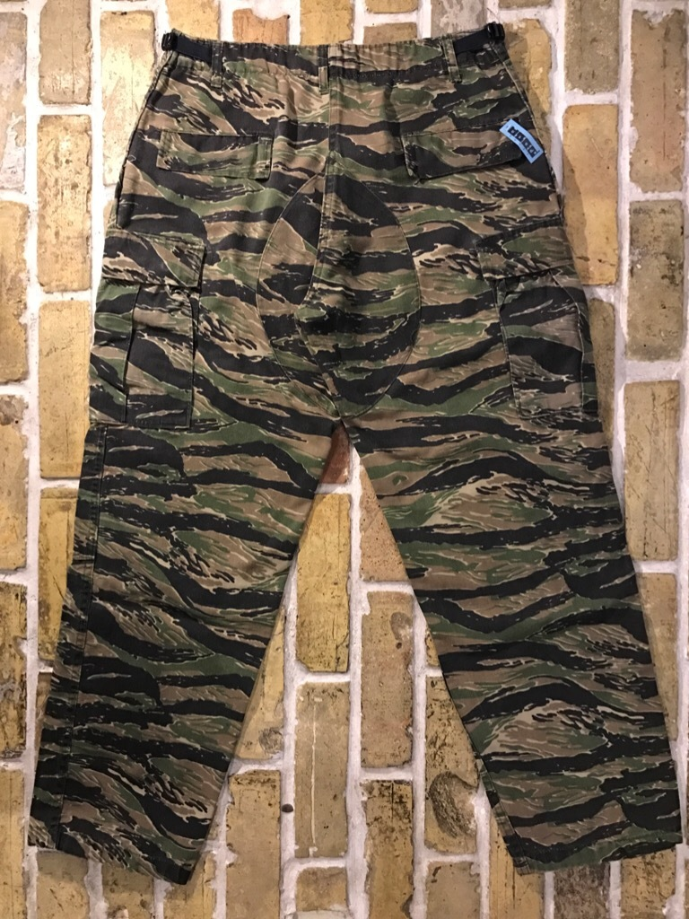 神戸店4/1(土)スーペリア入荷!#2 TigerStripe Products Pants!U.S.M.C. Rain Coat!!!_c0078587_21080758.jpg
