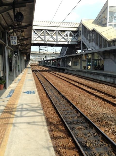 4度目台湾、高雄駅で台鉄駅弁を喰らい各停で台南へ向かう。_a0334793_23065000.jpg