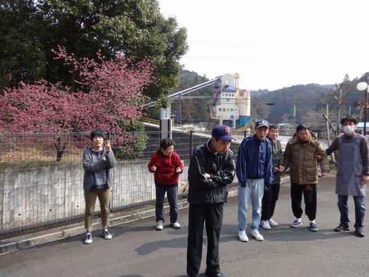 朝の散歩&活動_a0154110_16380415.jpg
