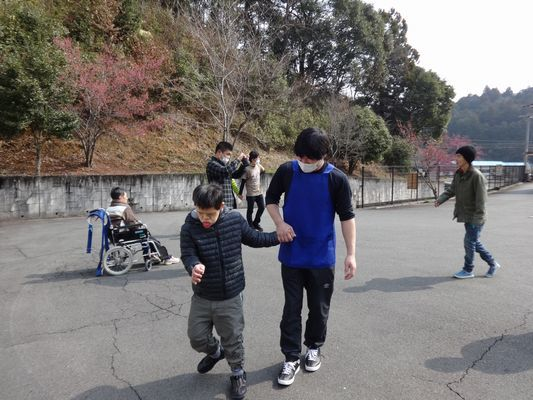 朝の散歩&活動_a0154110_16381194.jpg