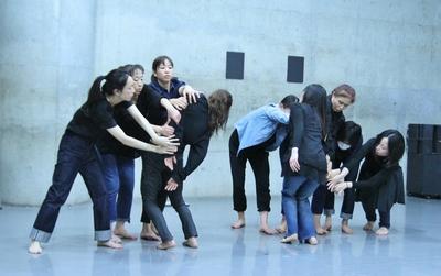 春爛漫、今年も「ダンス専科」の季節がやってきた!_d0178431_13374274.jpg