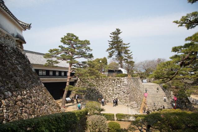 高知の旅:その6〜高知城と日曜市_e0369736_15043632.jpg