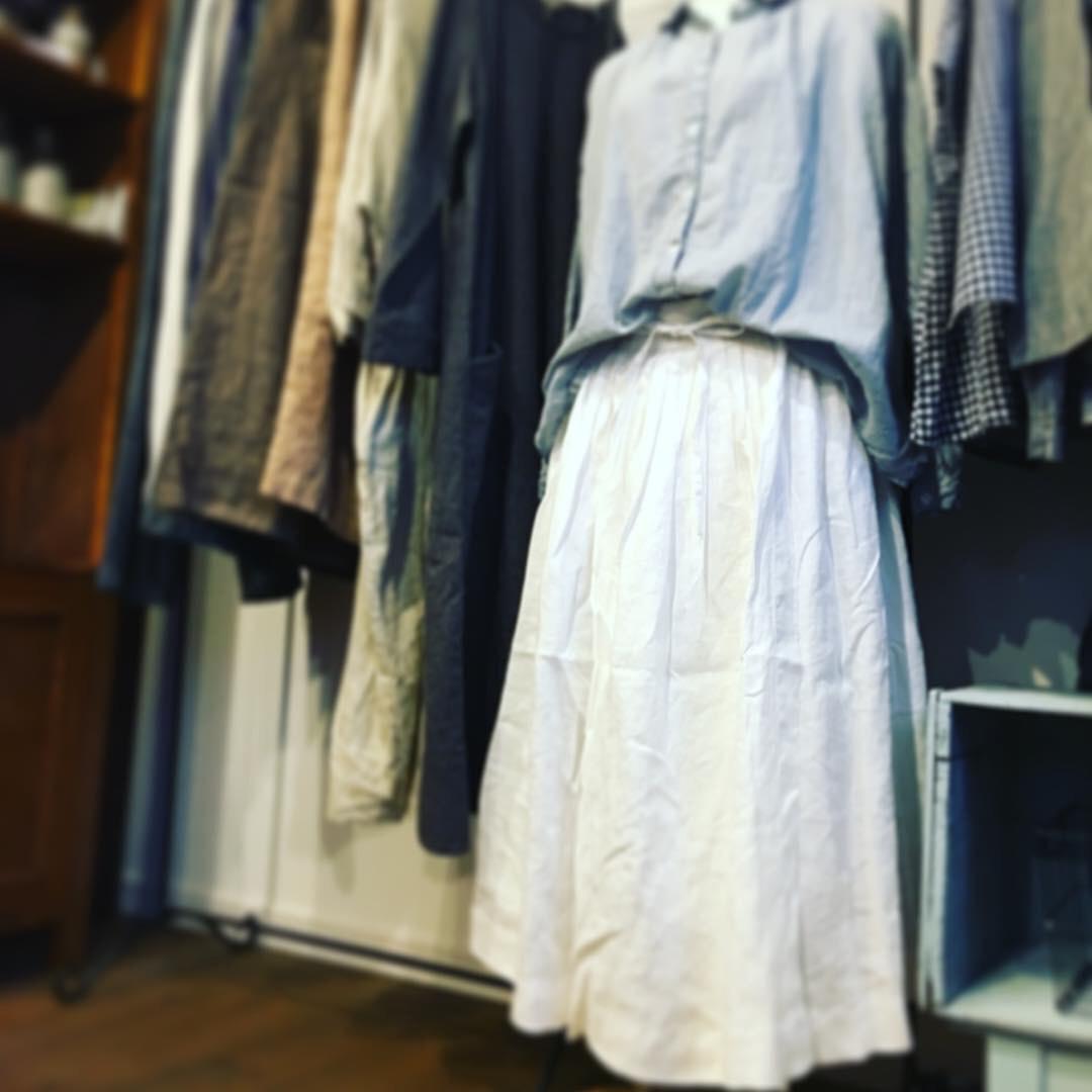 白いスカート_b0098081_08041496.jpg