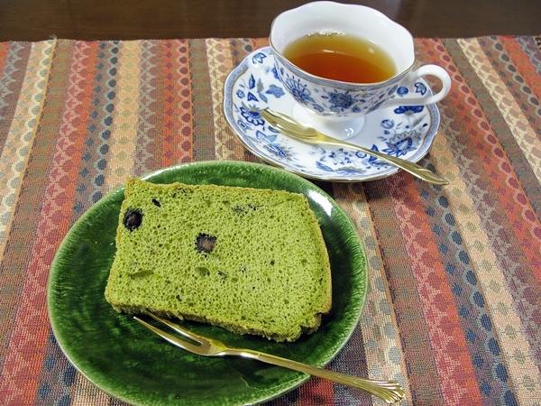抹茶黒豆シフォンケーキ_f0129726_21244299.jpg