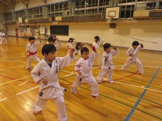 発寒教室 春季昇級審査会開始!_c0118332_20562665.jpg
