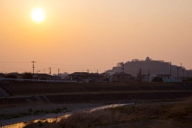 丸亀城と美味しいうどん_e0369736_00092999.jpg
