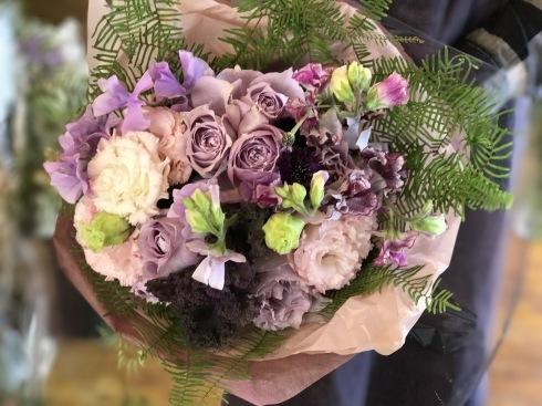 花束、アレンジ・・・花は門出に花を添えてくれます・・_b0137969_00331372.jpg