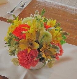 ビタミンオレンジとピンポンマムの会場花♪_f0054809_2253723.jpg
