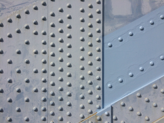 橋を見に散歩してるわけじゃないけど、いい建物はだんだんなくなってしまって、、_d0057843_17175031.jpg