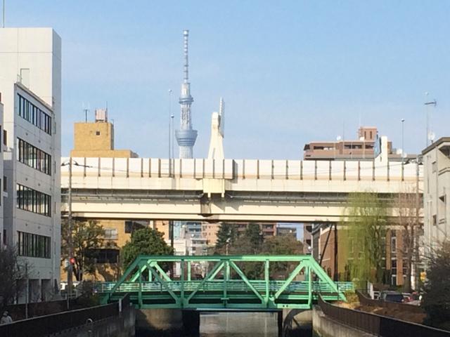 橋を見に散歩してるわけじゃないけど、いい建物はだんだんなくなってしまって、、_d0057843_17493430.jpg