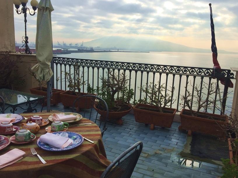 2017南イタリア旅行記その2 大好きナポリの朝ごはん_d0041729_09515527.jpg