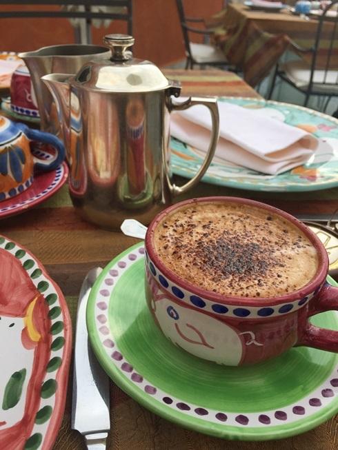 2017南イタリア旅行記その2 大好きナポリの朝ごはん_d0041729_09541775.jpg
