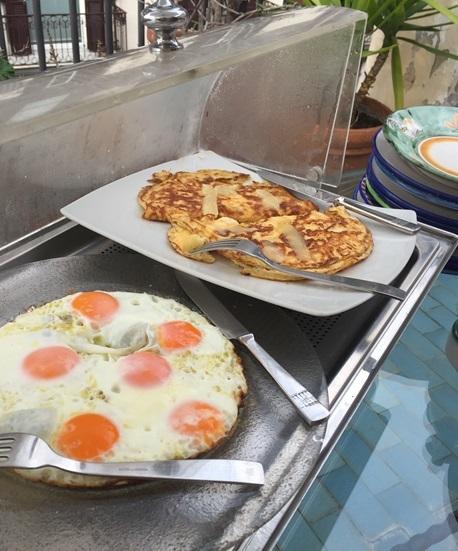 2017南イタリア旅行記その2 大好きナポリの朝ごはん_d0041729_09551826.jpg
