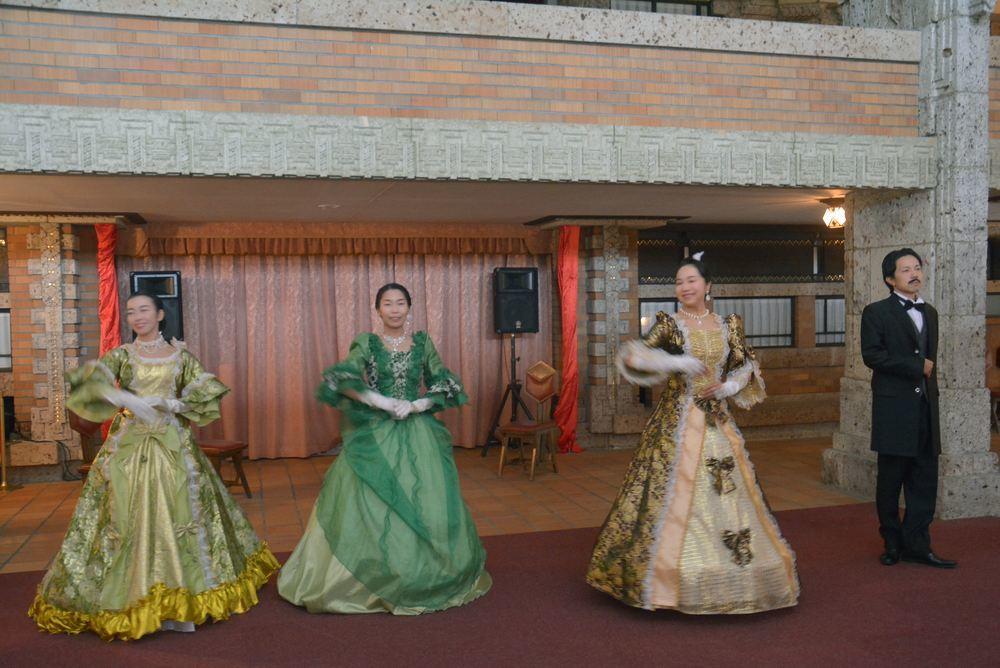 帝国ホテル舞踏会_e0373930_20505630.jpg