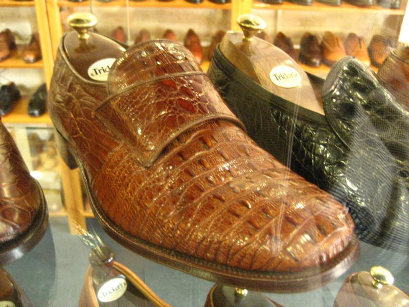 コラム『私と世界の靴vol.9~トリッカーズ(英)』_b0365069_16391023.jpg