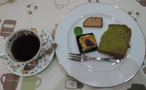 新年度最初の木曜カフェは_f0223914_17542244.jpg