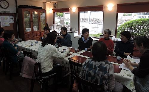 新年度最初の木曜カフェは_f0223914_17542719.jpg