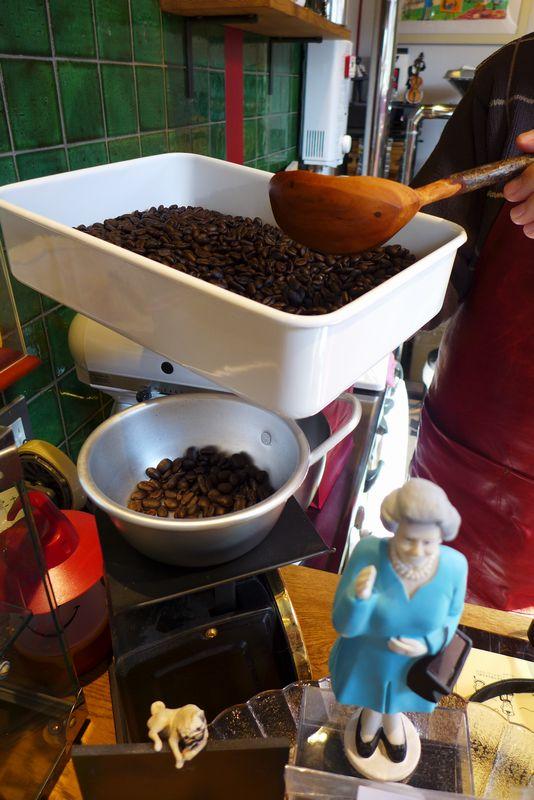 「焙煎函数 CAFÉ 2CV」さん 「トイロ」さん_d0108737_11294723.jpg