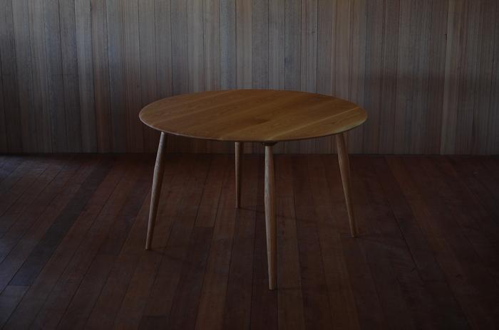 ダイニング テーブル_c0077600_20153536.jpg
