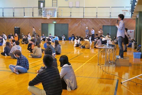 筑波学院大学の新入生がスクエアダンス体験_b0337729_07182501.jpg
