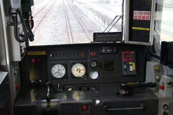 701系 運転台。_d0202264_11311144.jpg