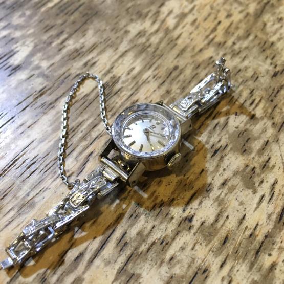 OMEGA オメガ 手巻き時計修理_b0167617_17514974.jpg
