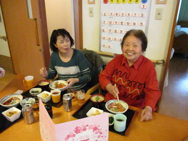 プラザの4月のお食事会_a0166025_16270908.jpg