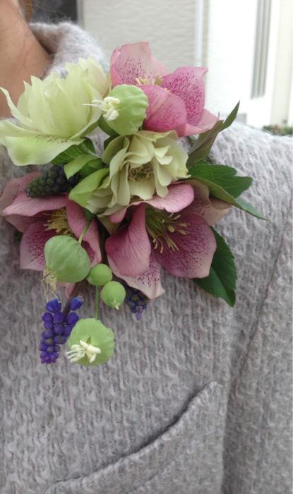生花でコサージュ_f0155431_21234119.jpg