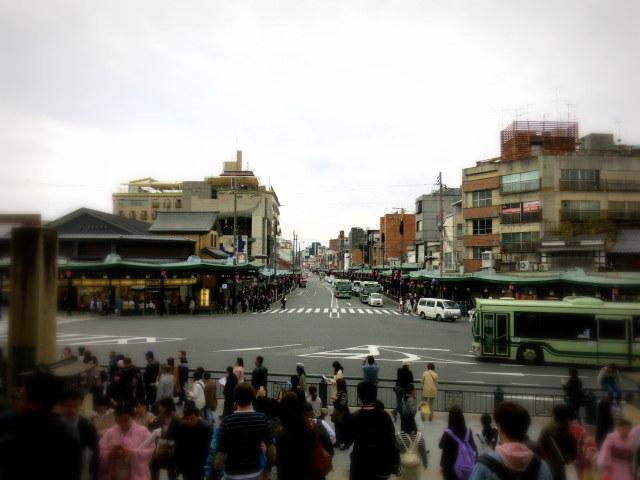 京都お花見 ③円山公園の枝垂れ桜 ・4月6日_f0236260_14343117.jpg