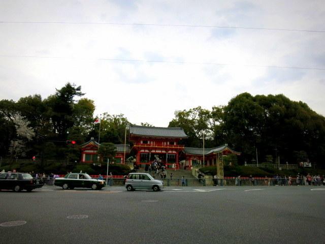 京都お花見 ③円山公園の枝垂れ桜 ・4月6日_f0236260_14353430.jpg