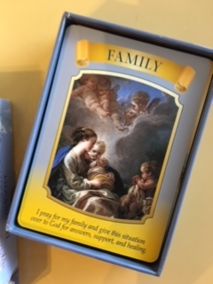 満月ですね・・今日のカードは「family」でした。_e0131324_18171991.jpg