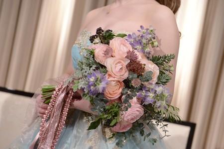 新郎新婦様からのメール アイスブルーのドレスへのブーケ ホテル椿山荘東京様へ_a0042928_2225525.jpg