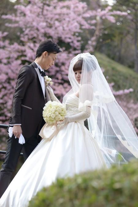 新郎新婦様からのメール アイスブルーのドレスへのブーケ ホテル椿山荘東京様へ_a0042928_22321318.jpg