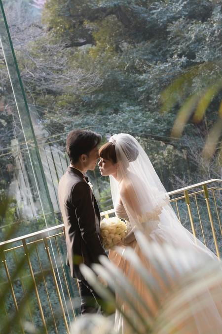 新郎新婦様からのメール アイスブルーのドレスへのブーケ ホテル椿山荘東京様へ_a0042928_22324423.jpg