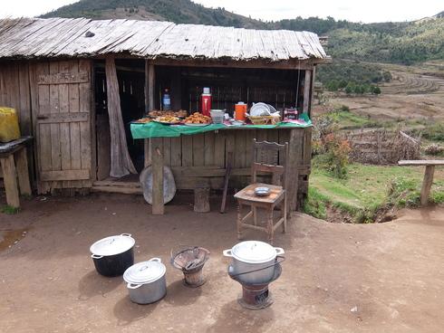 8日目: アンツィラベ ザフィマリニ村へ_a0207588_20153289.jpg