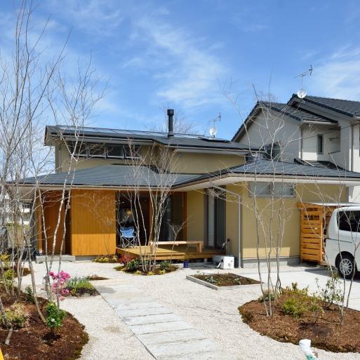NTさんの家 OM1年点検のついでにお庭を見せてもらう 2017/4/12_a0039934_16493959.jpg