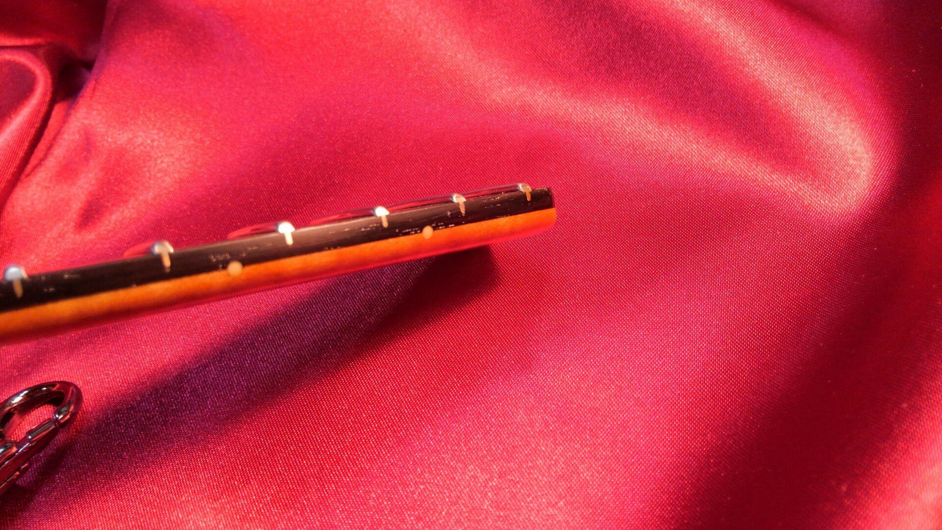 指板型キーホルダーがネック型キーホルダーに!_c0179274_02401784.jpg