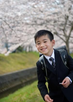 髪型もいい感じで......お父さんよりかっこいいですね〜_b0194185_21523959.jpg