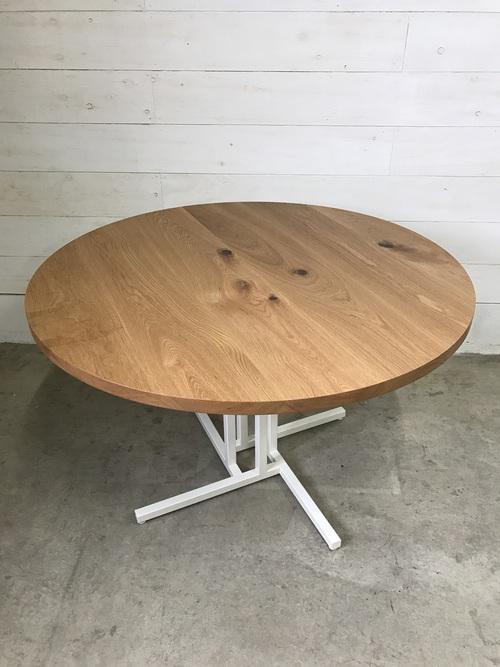 CIRCLE TABLE_c0146581_9292725.jpg