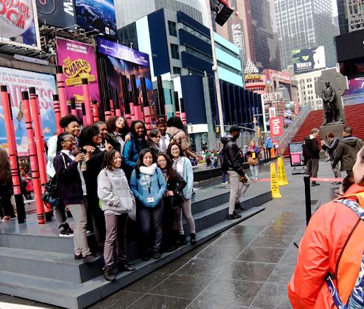 NYのタイムズ・スクエアの愛をテーマにしたアート作品まとめ_b0007805_1391250.jpg