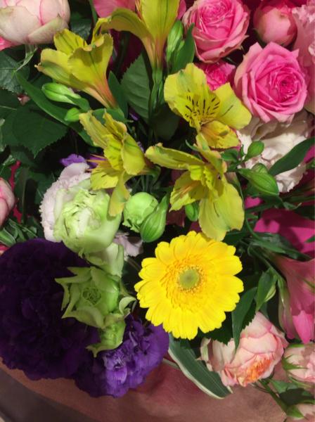 花贈りのテーマ…_a0300110_17060278.jpg