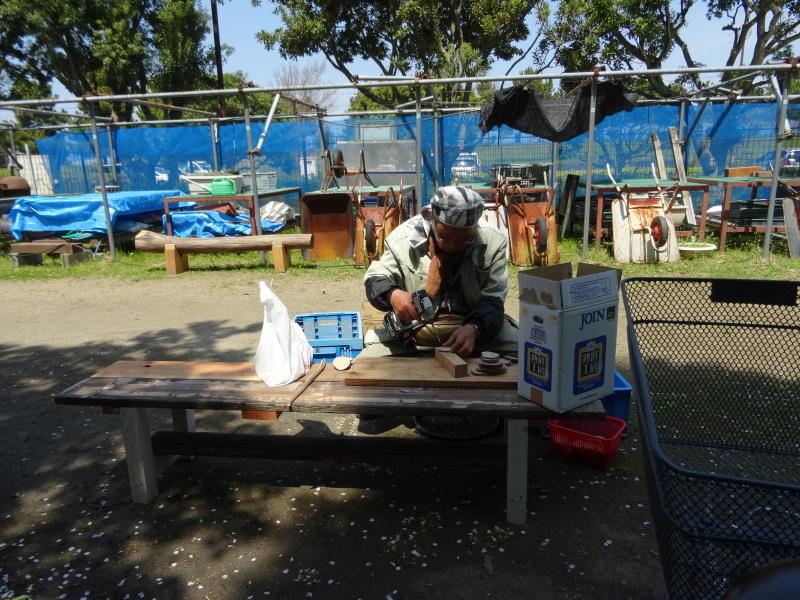 作業小屋作りは完成間近・・・うみべの森_c0108460_20355481.jpg