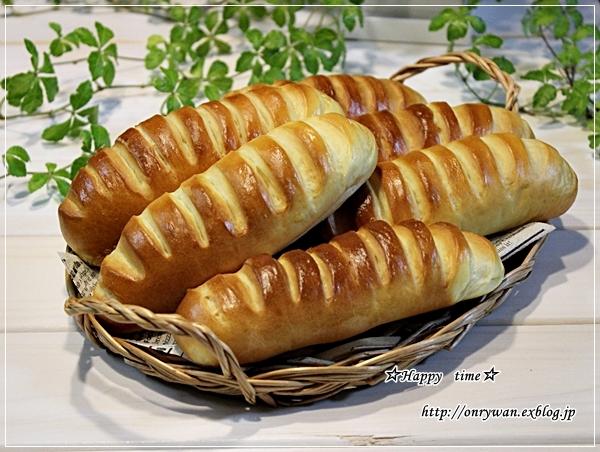 サーモンフライ弁当とパン・ヴイエノワ♪_f0348032_18101606.jpg