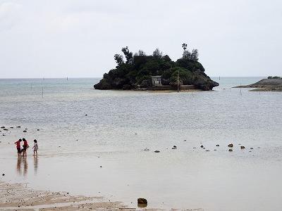 恩納村の歴史と湧き水_c0180460_17230576.jpg