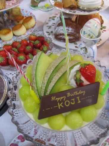 イースターサンデー☆ Easter Sunday と ルカのお誕生日。。。 *。:☆.。†_a0053662_04401776.jpg