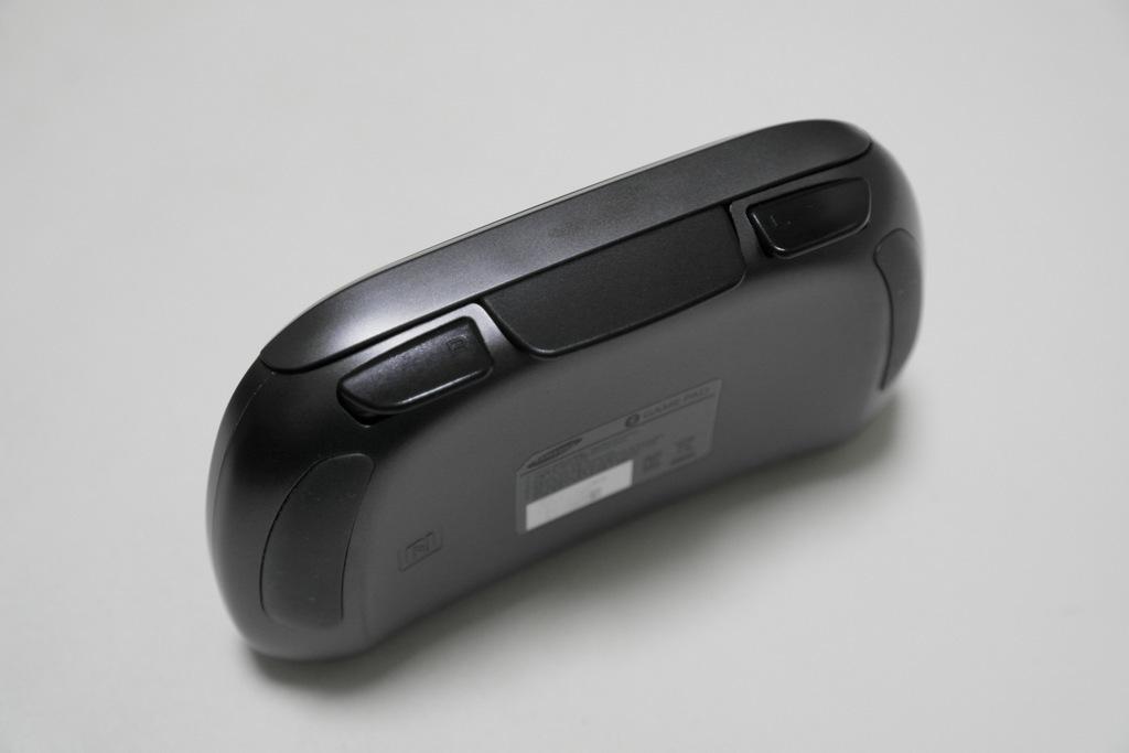 【レビュー】SAMSUNG Wireless GamePad EI-GP20_c0004568_21180947.jpg