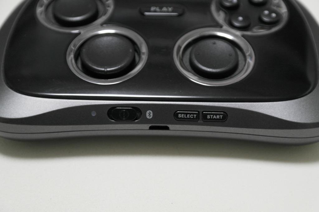 【レビュー】SAMSUNG Wireless GamePad EI-GP20_c0004568_21181015.jpg