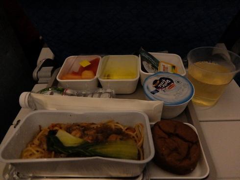 10日目.11日目:アンタナナリボ→ナイロビ→ムンバイ→香港→上海→関空_a0207588_2213555.jpg